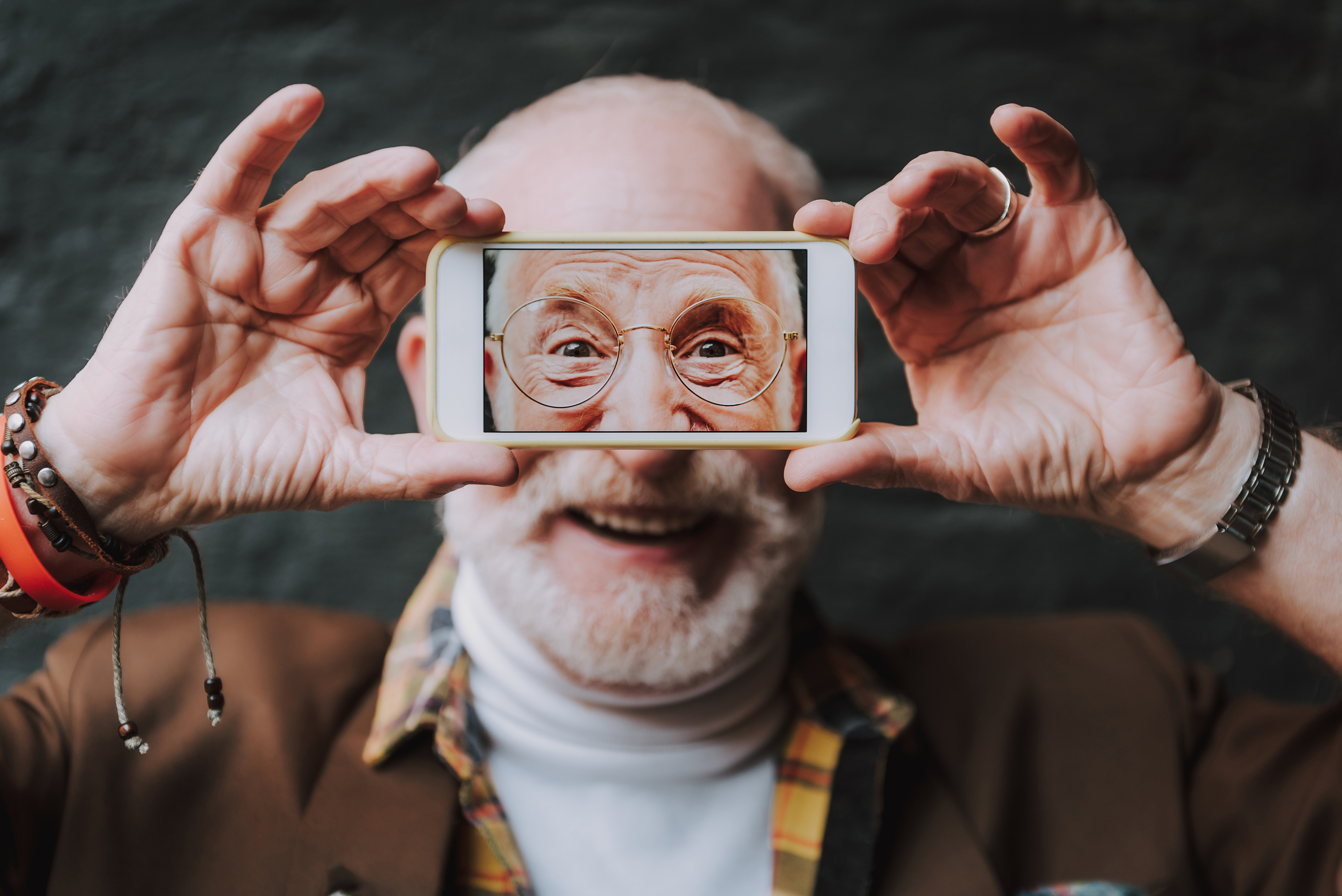 How is Social Media Influencing the Lives of Seniors