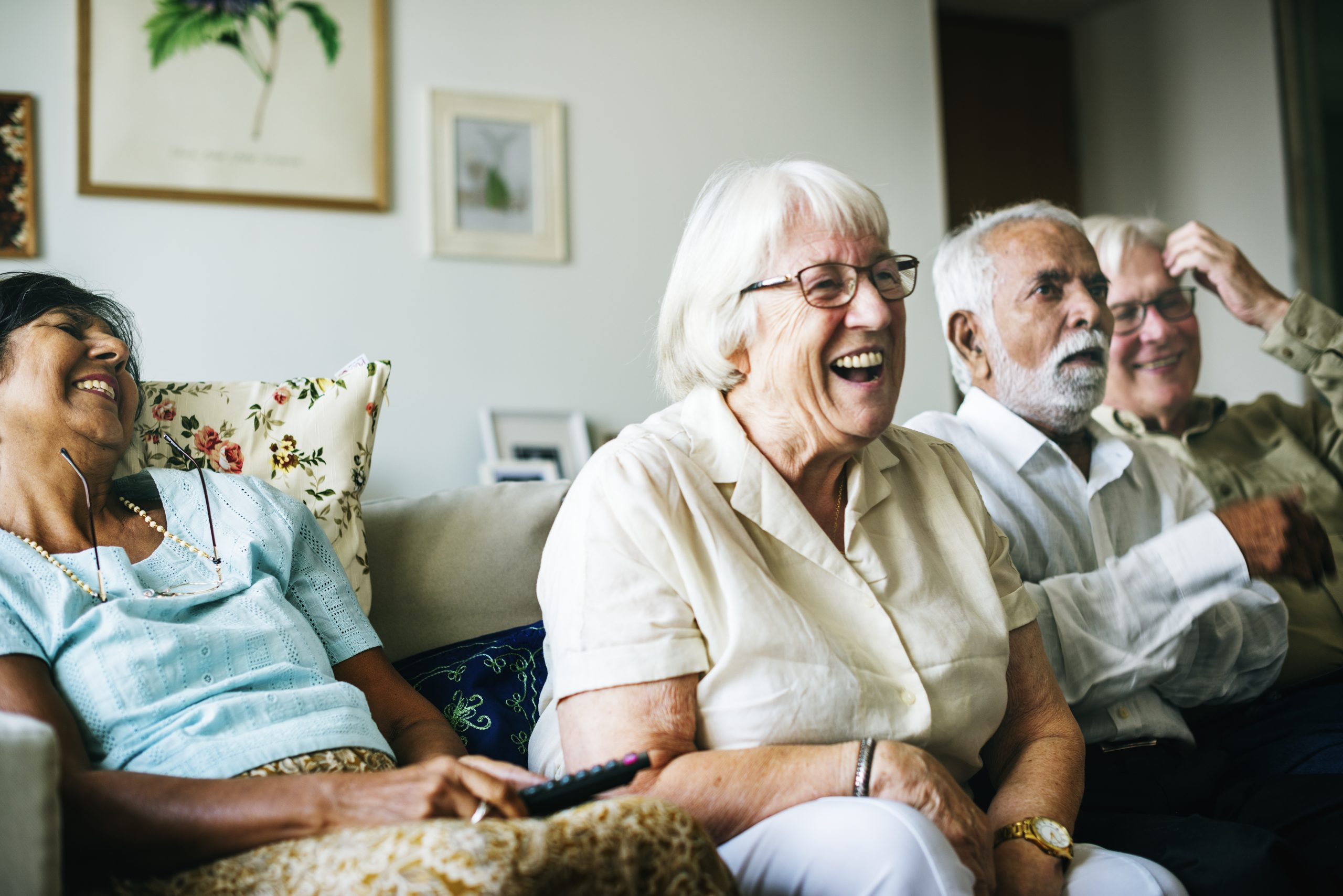 What Are The Benefits of Living in a Senior Community?